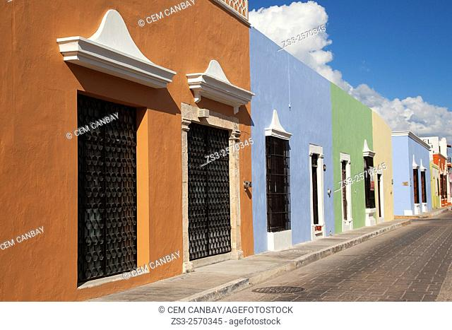 Scene from the historic center of Campeche with colorful walls of colonial houses, Campeche Region, Yucatan, Mexico, Central America
