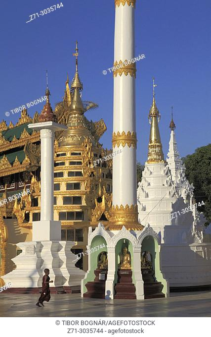 Myanmar, Yangon, Shwedagon Pagoda, people,