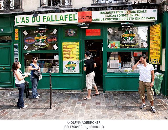 Jewish snack shop L'as du Fallafel in the Rue des Rosiers, the Marais, Paris, Ile de France region, France, Europe