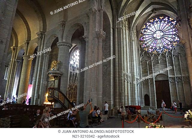 Saint Nazaire Basilica. Fortified city of Carcassonne. Languedoc-Roussillon, France, Europe