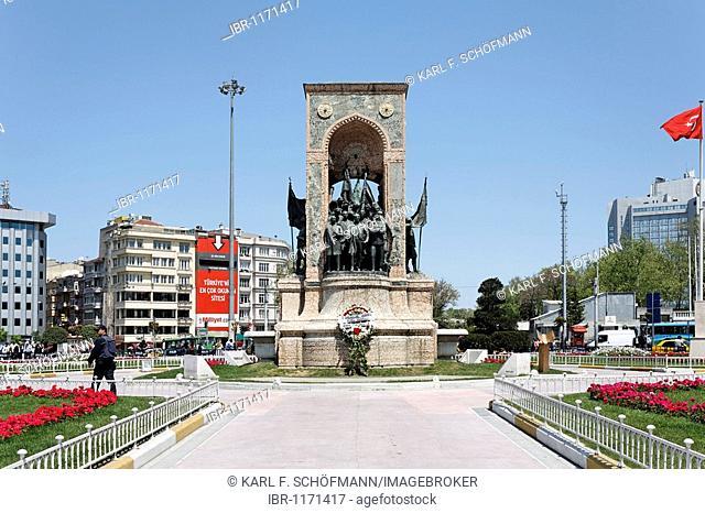 Independence monument by Pietro Canonica, Mustafa Kemal Atatuerk and his comrades, Taksim Square, Beyoglu, Istanbul, Turkey