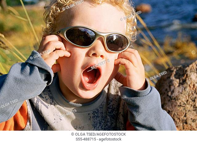 3 year old boy with sunglasses
