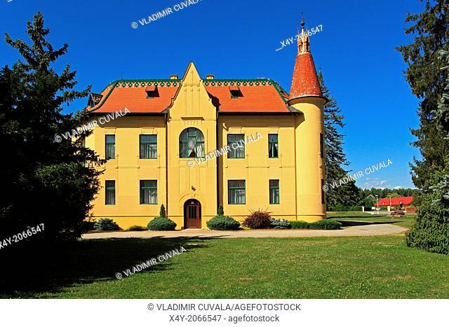 Polovnicky zamok (Hunters' manor house), Topolcianky, Slovakia