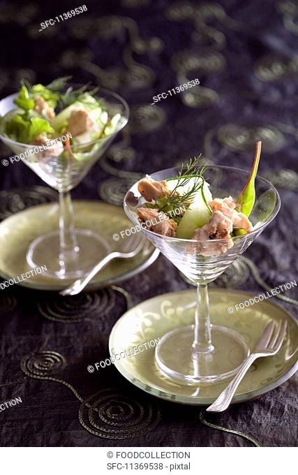 Salmon salad with cucumber and dill