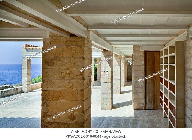 Can Lis, Mallorca, Spain. Architect: Utzon, Jorn, 1971. Looking through from entrance towards main patio courtyard