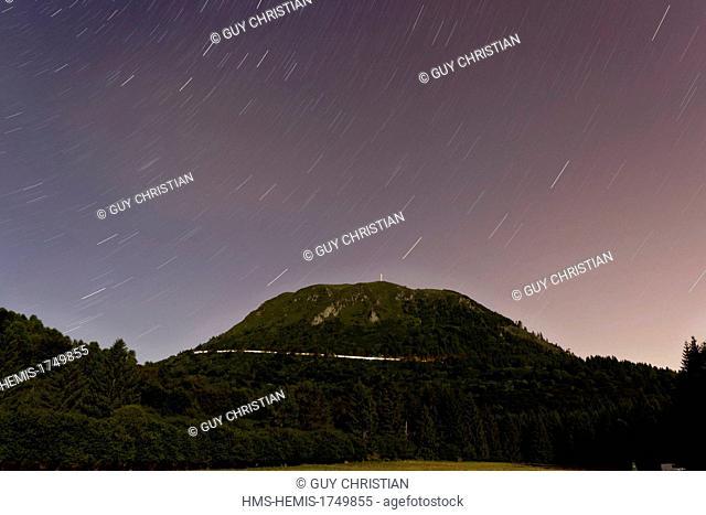 France, Puy de Dome, Parc Naturel Regional des Volcans d'Auvergne (Natural regional park of Volcans d'Auvergne), Chaine des Puys