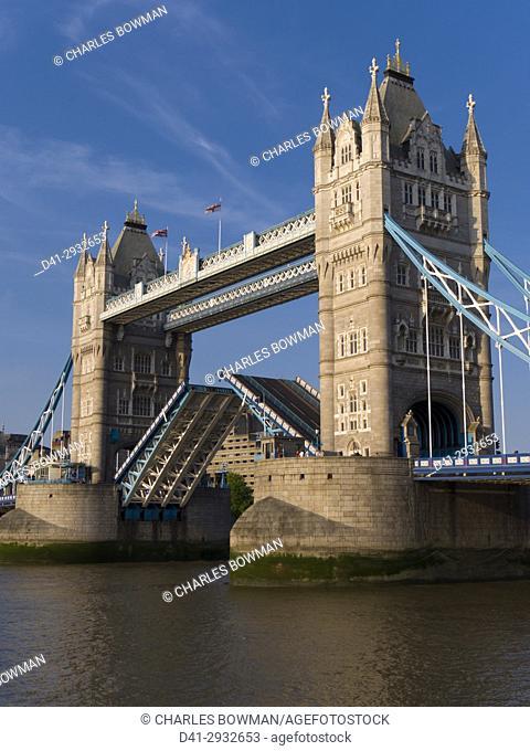 Europe, UK, England, London, Tower Bridge lifted