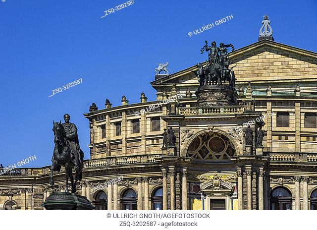 View of the Semper Opera in the city of Dresden, Saxony, Germany