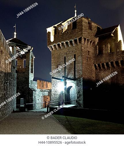 Bellinzona, castle, Castello Montebello, Switzerland, Ticino, castle, at night