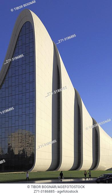Azerbaijan; Baku, Heydar Aliyev Center, Zaha Hadid architect, l