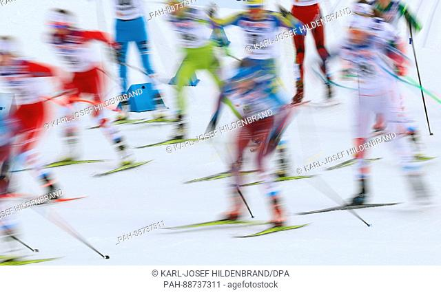 The athletes in action at the start of the women's 30km freestyle cross-country event at the Nordic Ski World Championship in Lahti, Finland, 04 March 2017