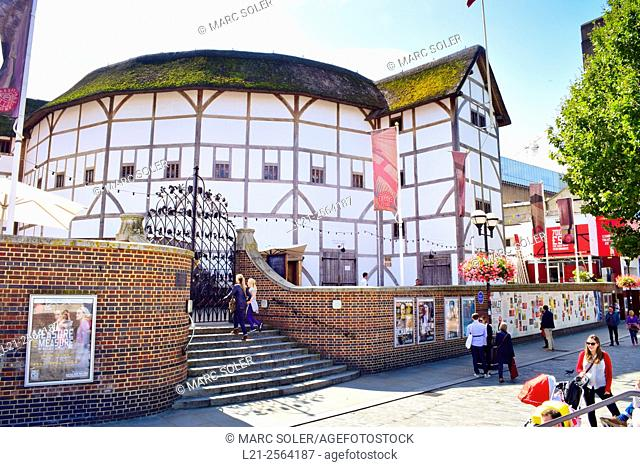 Shakespere's Globe Theatre on the banks of the River Thames. Bankside, Southwark, London, England, United Kingdom