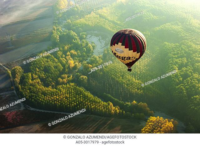Balloon trip between Haro and Casalarreina. La Rioja. Spain