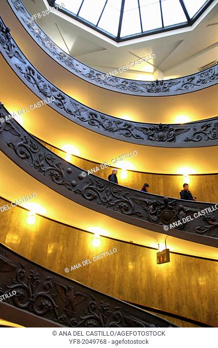 VATICAN, ROME, ITALY-JANUARY 21: Tourists descending by the spiral staircase of the Vatican Museums, on January, 21 2013 in Rome