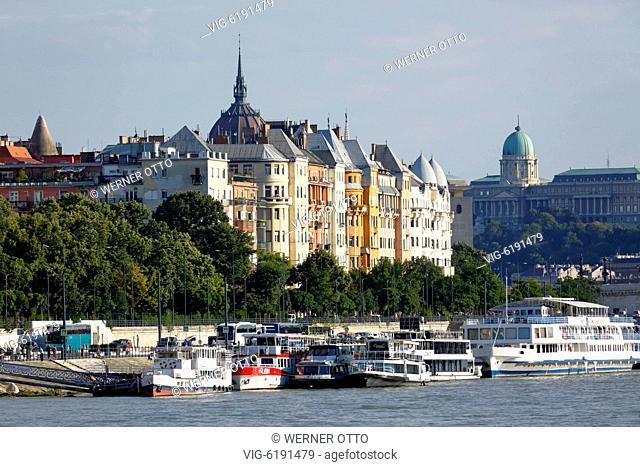 UNGARN, BUDAPEST, 02.07.2018, Hungary, Central Hungary, Budapest, Danube, Capital City, Danube bank of Pest, Danube landscape