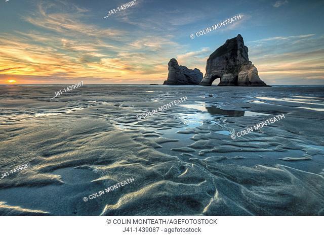 Archway Islands, sunset, Wharariki beach, near Collingwood, Golden Bay, New Zealand