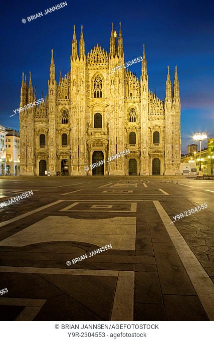 Vittorio Emanuele statue and Cathedral in Piazza del Duomo, Milan, Lombardy, Italy
