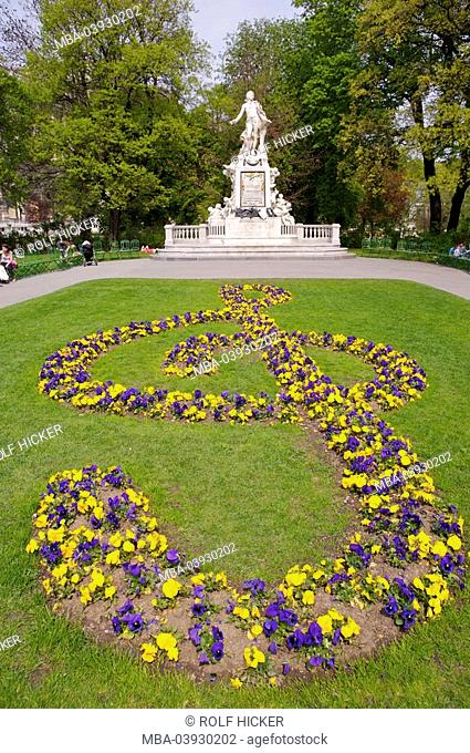 Austria, Vienna, castle-garden, park, Mozart-statue, summer, Europe, city, capital, sight, destination, Viennese ring-street, park, statue, monument, composer