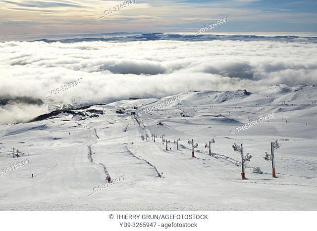 France, Puy de Dome (63), Besse-et-Saint-Anastaise, ski station of Super Besse, ski lift de la Perdrix