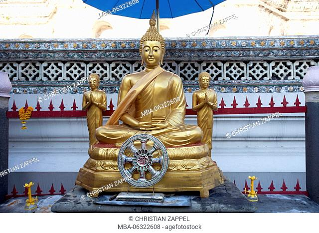 Buddha statue made of gold on Wat Arun, Temple of Dawn, Bangkok, Thailand, Asia