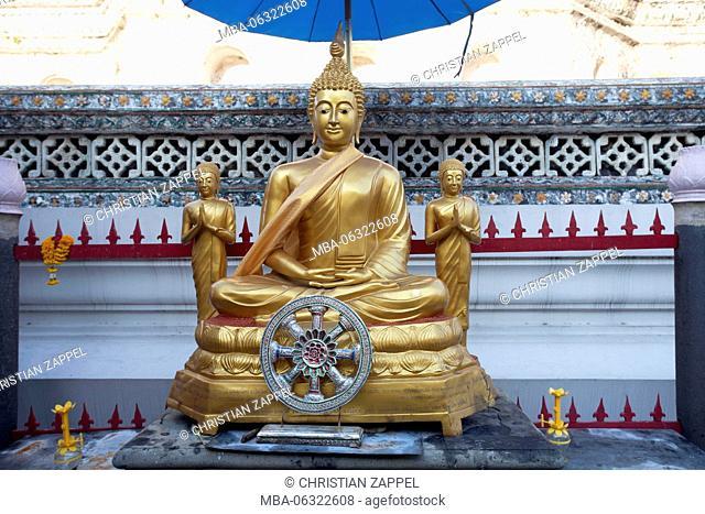 Buddha statue made of gold on Wat Arun, Temple of Dawn, Bangkok, Thailand, Asia