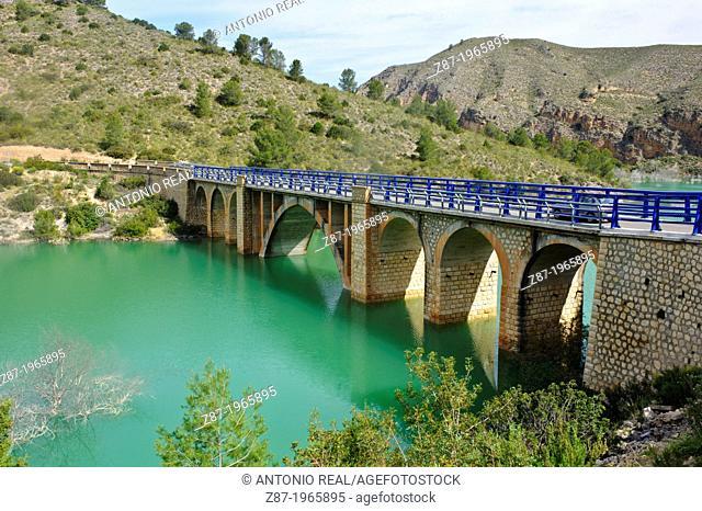 Río Segura and Puente de Híjar. Sierra del Segura. Férez. Province of Albacete. Spain