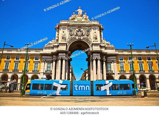Electric tramway, Rua Augusta, Triumphal Arch of Praça do Comércio (Commerce square), Lisbon, Portugal
