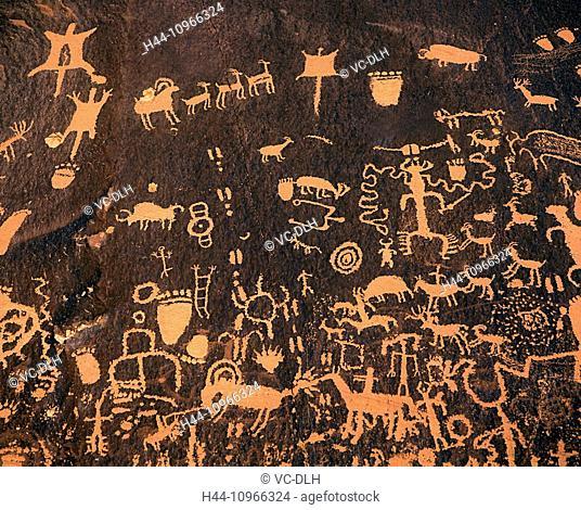 Petroglyphs, Newspaper Rock, National Park, Utah