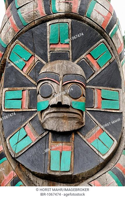 Totem pole of the Cowichan Tribe, detailed view, Duncan, Vancouver Island, British Columbia, Canada, North America