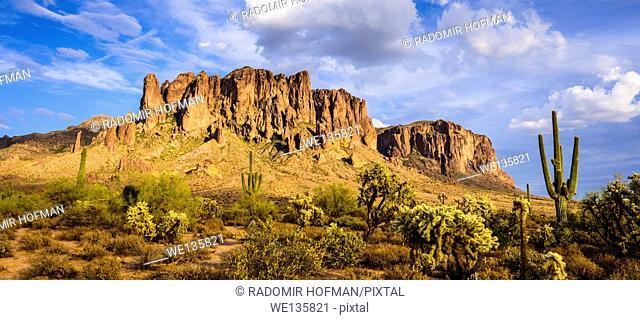 Superstition Mountain, Sonoran Desert, Arizona, USA