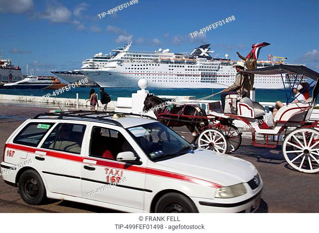 Mexico, Quintana Roo, Cozumel Island, cruise ship in port