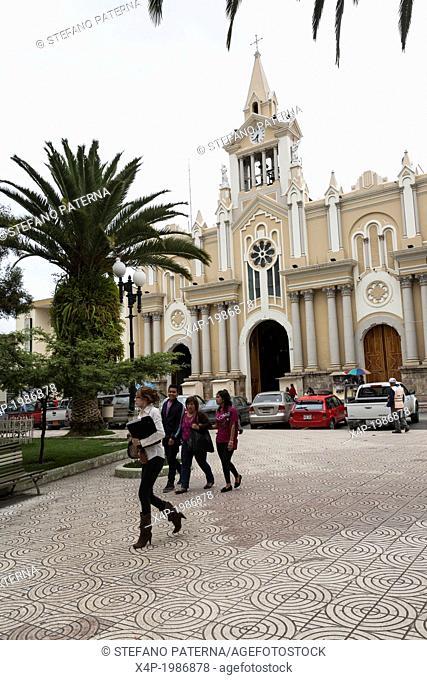 La Catedral, Cathedral, Parque Central, Plaza Mayor, Loja, Ecuador