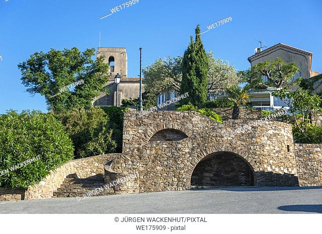 Historical town wall, Gassin, Var, Provence-Alpes-Cote d`Azur, France, Europe