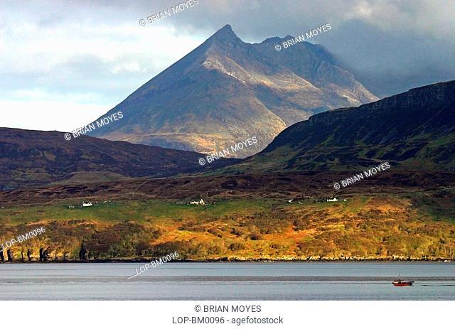 Scotland, Highland, Isle of Skye, Skye Cuillins from Loch Eishort