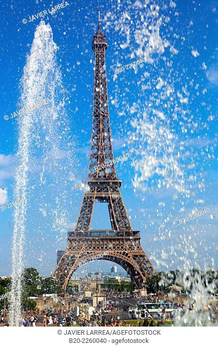Jardins du Trocadero. Eiffel tower. Paris. France