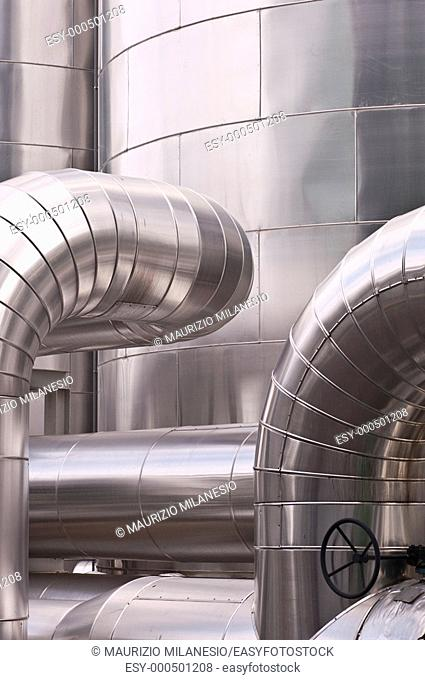 Industrial tanks and pipes