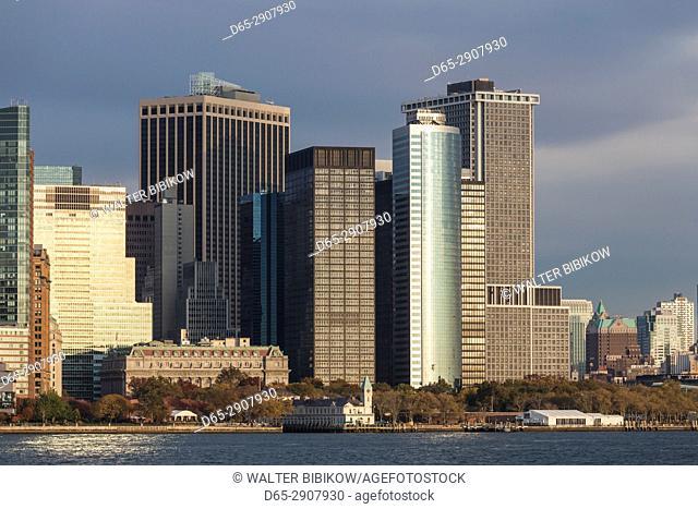 USA, New York, New York City, Lower Manhattan buildings, dusk