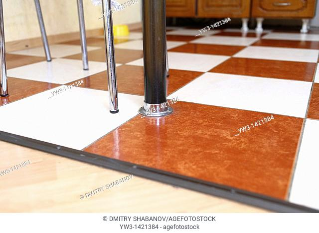 lamineted flooring by Low angle