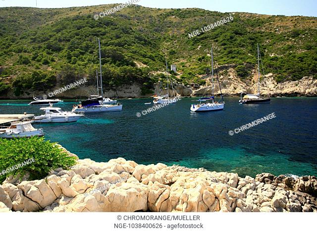 Croatia, Mittel-Dalmatien, Insel Bisevo, Bucht Mezuporat