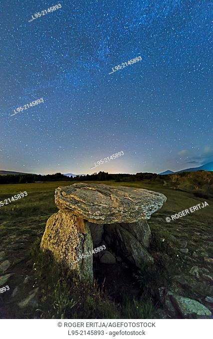 Remains of the Pasquerets dolmen under a starry clear sky, Eine, Cerdanya, France