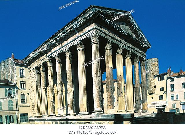 France - Vienne - Temple of Augustus and Livia (c.25 b.C.)