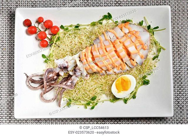 Bigfin reef squid salad