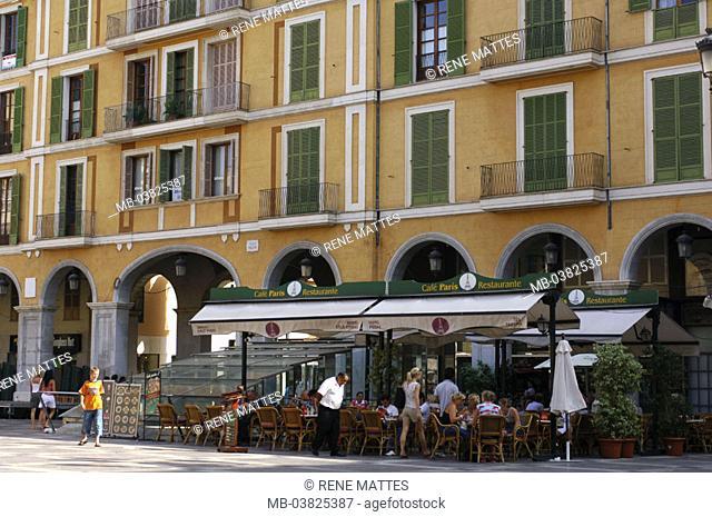 Spain, island Majorca, Palma,  Pedestrian zone, cafe,   Mediterranean island, , capital, row of houses, house facade, restaurant, pub, Cafi, guests, tourists