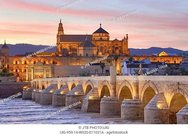 Spain, Andalucía, Cordoba Province, Mosque–Cathedral of Cordoba, Roman Bridge and Guadalquivir River
