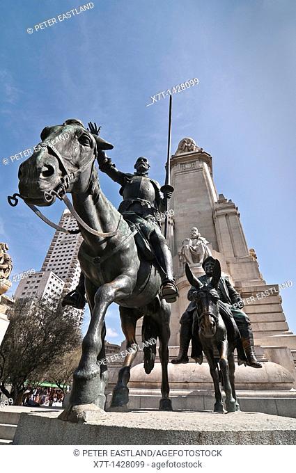 Monument to Cervantes and statues of Don Quixote and Sancho panza in the Plaza de Espania