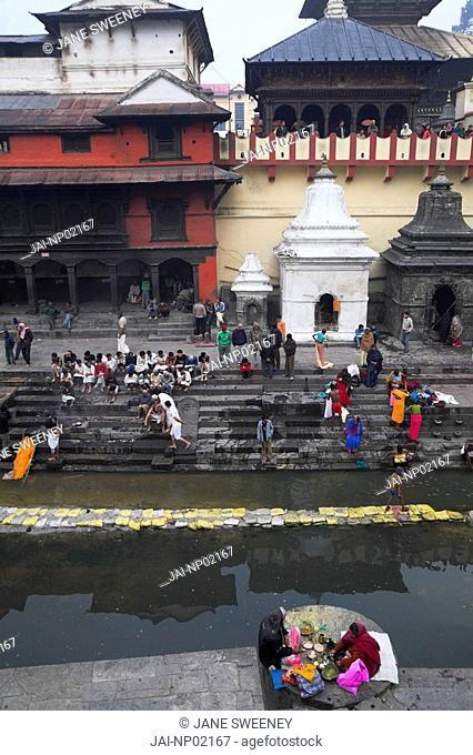 Nepal, Kathmandu, Pashupatinath Temple, Cremation ceremony, Bagmati river at Shivaratri festival