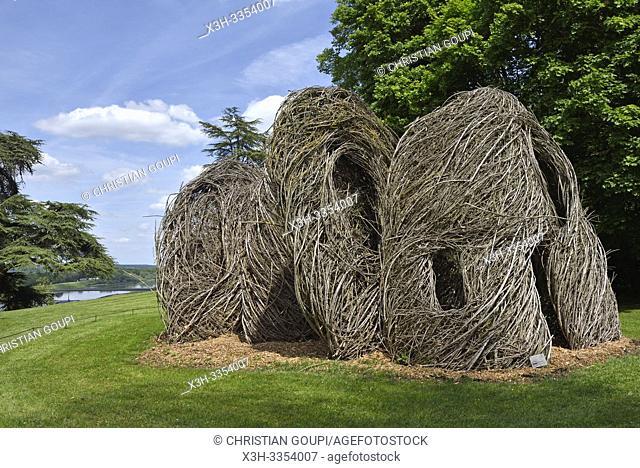 Oeuvre de Patrick Dougherty, installations perennes dans le parc historique du Chateau, Domaine de Chaumont-sur-Loire, departement Loir-et-Cher