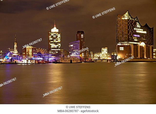 Evening HafenCity with Catherine's Church, Hanse-Trade-Center and Elbphilharmonie / Elbe Philharmonic Hall