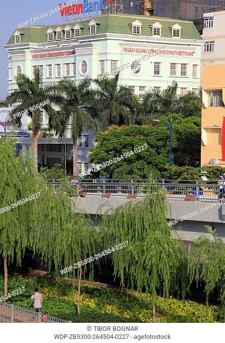 Vietnam, Ho Chi Minh City, Saigon, street scene, Vietin Bank, park