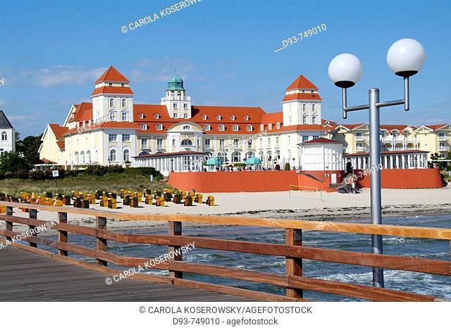 D, Germany, Mecklenburg Western Pomerania, Rügen, Ruegen, Isle, Baltic Sea, Seebad Binz, Binz, Holiday, Spring, Springtime, Tourists, Persons, Beach